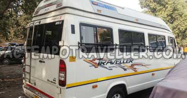 11+1 seater 1x1 deluxe tempo traveller