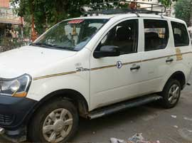 7+1 Seater Mahindra Xylo Car Hire in Delhi