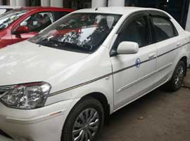 swift dzire taxi hire in delhi